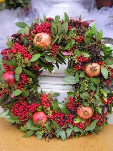 Fresh bay leaf & berry wreath